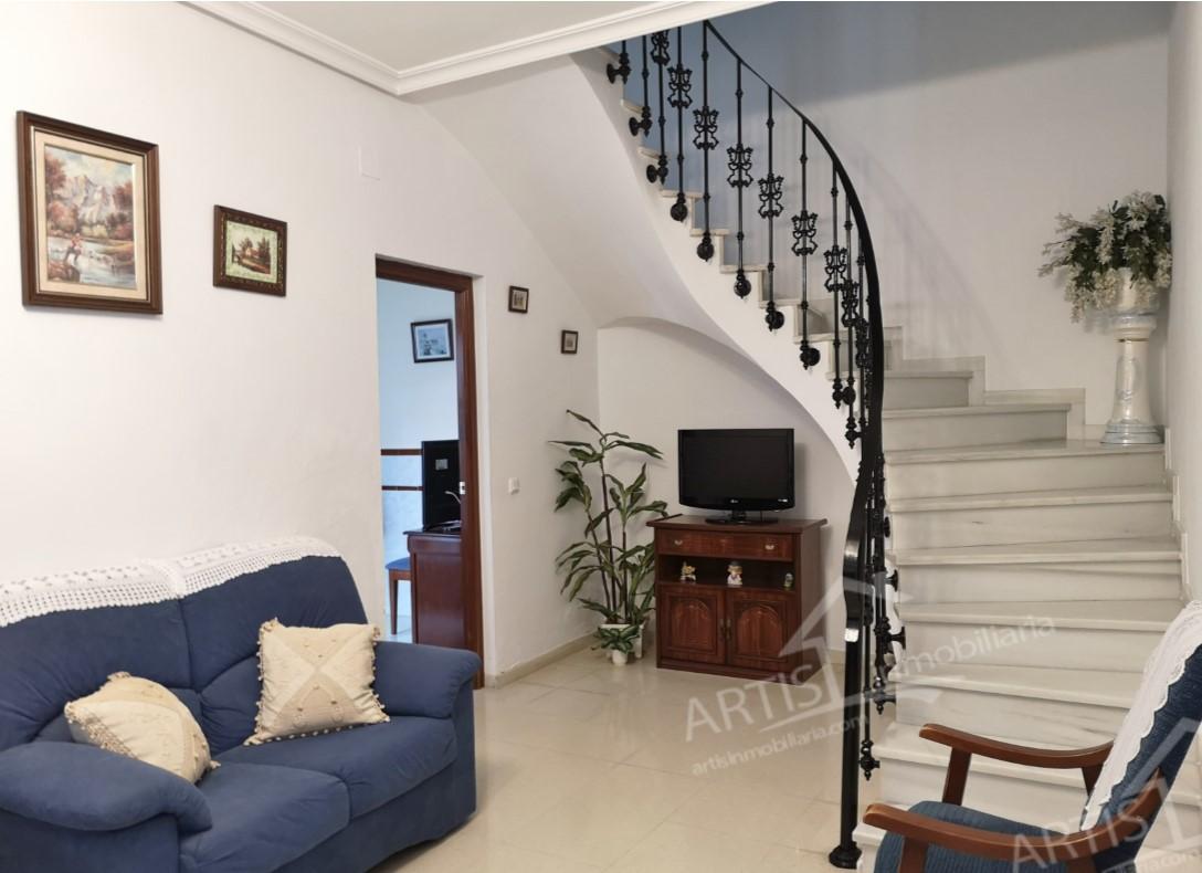 Estupenda casa en venta; ZONA CENTRO